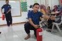 Begini cara menggunakan APAR (Alat Pemadam Api Ringan).